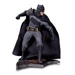 Batman V Superman: Dawn of Justice Batman 1:6 Scale Statue